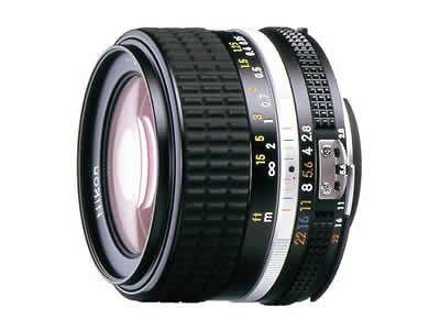 ニコンの銘玉、Ai Nikkor 28mm f/2.8S